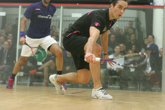"Kiwi Coll goes low. ""Superman"" nearly won his debut appearance at the MCO agasint veteran ElSHorbagy. (MCO photo)"